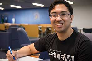 Photo of Derrick Lao, a Mechanical Engineering Graduate